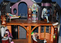 Monster High babaház